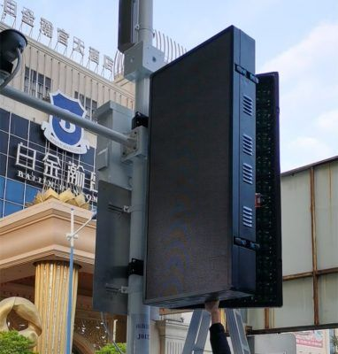 iphone led video pole street display (3)